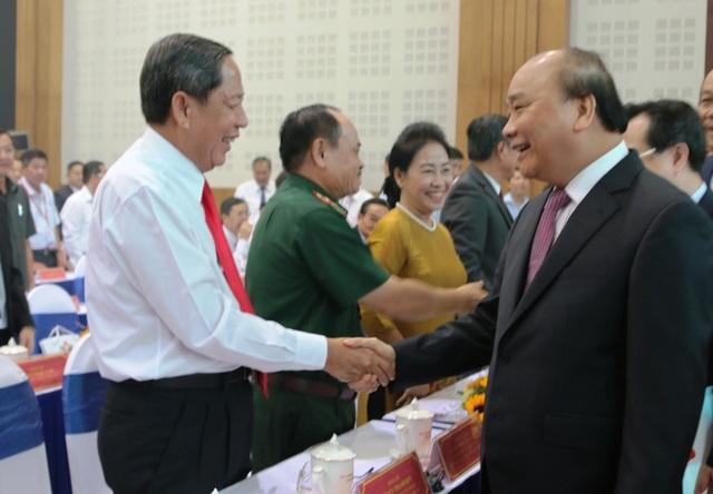Thủ tướng Nguyễn Xuân Phúc: Không chấp nhận những DN lợi dụng lỗ hổng pháp luật để trục lợi - 1