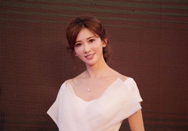 """Lâm Chí Linh hé lộ mối quan hệ với """"ông xã"""" sau đám cưới bất ngờ - 4"""