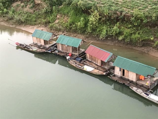 Bình minh lẻ loi trên sông Lam - 7