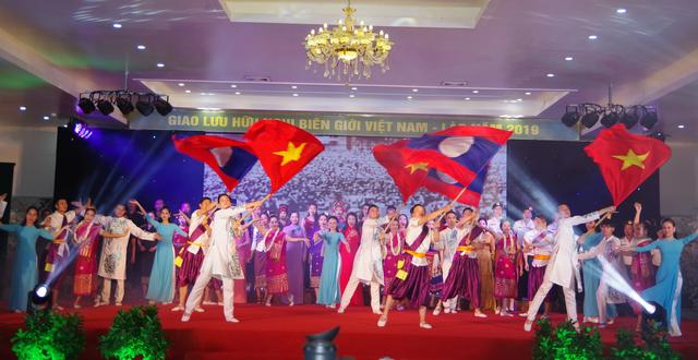 Tình hữu nghị Việt - Lào: Chung dòng Sê Pôn