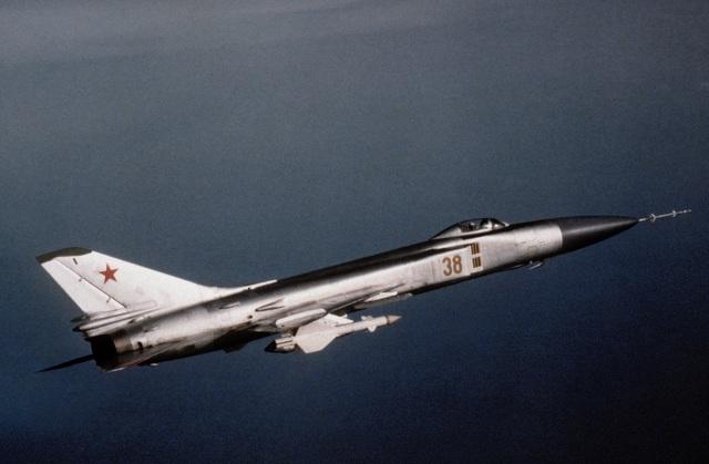 """80 năm kiến tạo những """"huyền thoại"""" bầu trời của tập đoàn Sukhoi  - 4"""