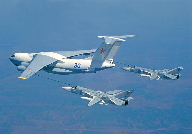 """80 năm kiến tạo những """"huyền thoại"""" bầu trời của tập đoàn Sukhoi  - 7"""