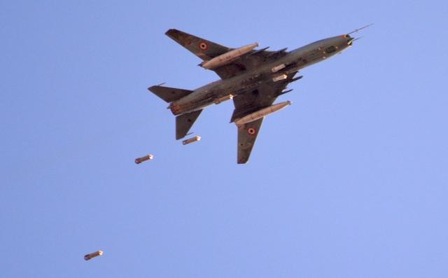 """80 năm kiến tạo những """"huyền thoại"""" bầu trời của tập đoàn Sukhoi  - 6"""