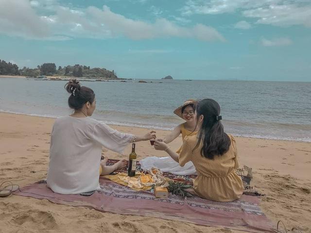 """Khám phá đảo Cái Chiên: """"Thiên đường bị bỏ quên"""" ở Quảng Ninh - 8"""