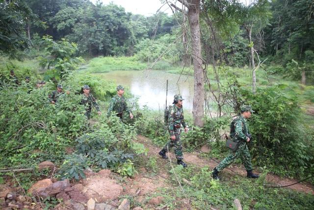 Lực lượng vũ trang Việt Nam - Lào tuần tra song phương trên tuyến biên giới - 4