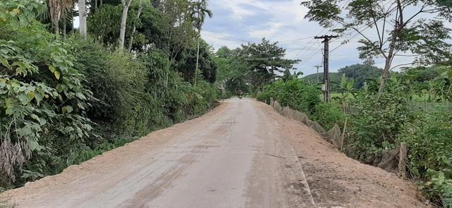 Nghệ An: Người dân tố đường dự án 135 chưa bàn giao đã hỏng, chính quyền nói gì? - 1