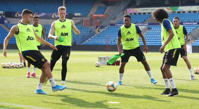 Man Utd luyện công ở Na Uy chờ con trai của Ole Solskjaer - 20