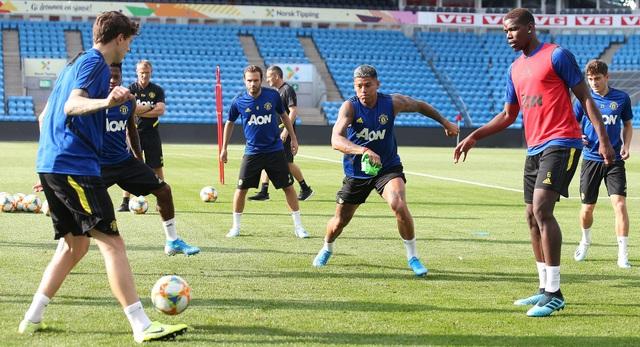 Man Utd luyện công ở Na Uy chờ con trai của Ole Solskjaer - 19