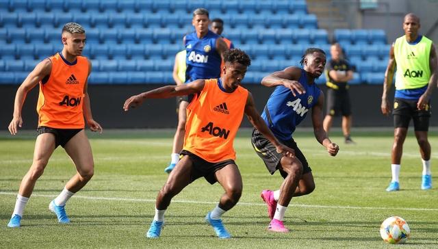 Man Utd luyện công ở Na Uy chờ con trai của Ole Solskjaer - 18