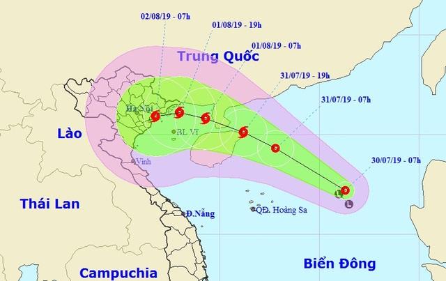 Vùng áp thấp ở Biển Đông đã mạnh lên thành áp thấp nhiệt đới - 1