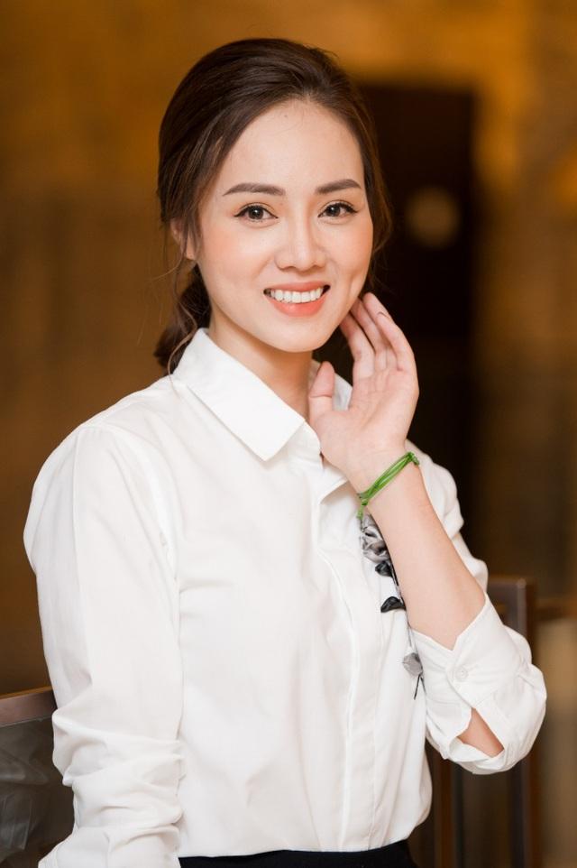 Bạn gái phóng viên kém 15 tuổi thay đổi bất ngờ từ ngày yêu Công Lý - 3