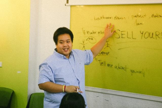 Lớp học Thuyết trình tiếng Anh cùng Đỗ Nhật Nam: Cho đi tri thức, nhận lại yêu thương - 2