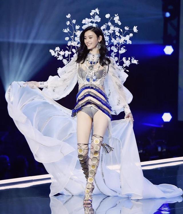 """Thiên thần Victoria's Secret đã mang thai với thiếu gia """"Vua sòng bạc Macau"""" - 6"""