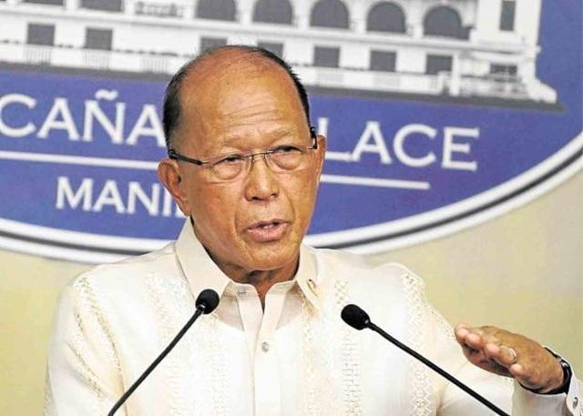 """Bộ trưởng Philippines chỉ trích Trung Quốc """"nói một đằng, làm một nẻo"""" ở Biển Đông - 1"""