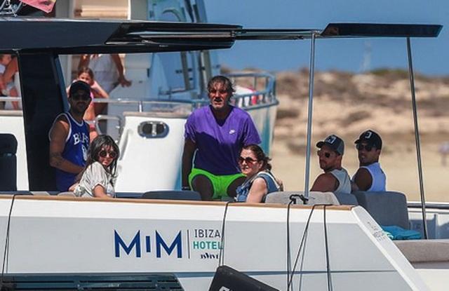 Messi chơi sang với chuyến nghỉ dưỡng trên siêu du thuyền - 2