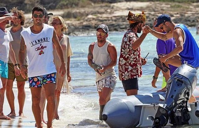 Messi chơi sang với chuyến nghỉ dưỡng trên siêu du thuyền - 7