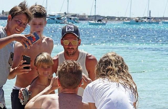 Messi chơi sang với chuyến nghỉ dưỡng trên siêu du thuyền - 8