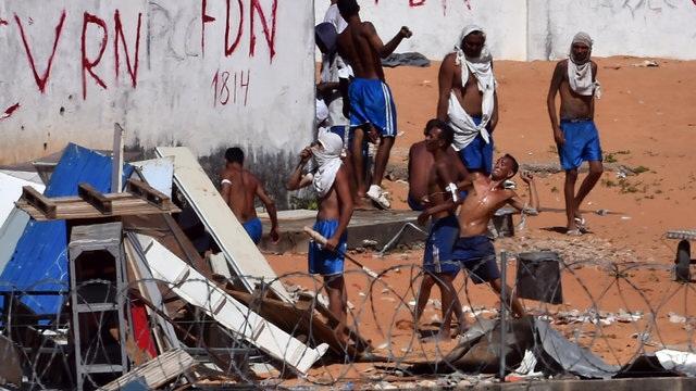 Băng đảng đụng độ đẫm máu trong nhà tù Brazil, hơn 50 người chết - 1