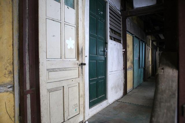 Cuộc sống như từ thế kỷ trước trong khu nhà gỗ ở Hà Nội - 10