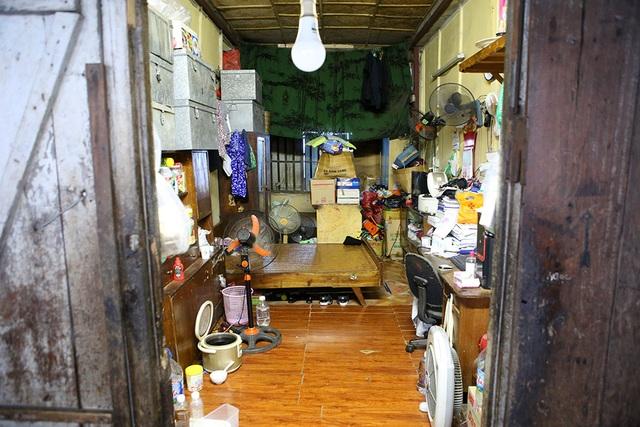 Cuộc sống như từ thế kỷ trước trong khu nhà gỗ ở Hà Nội - 4