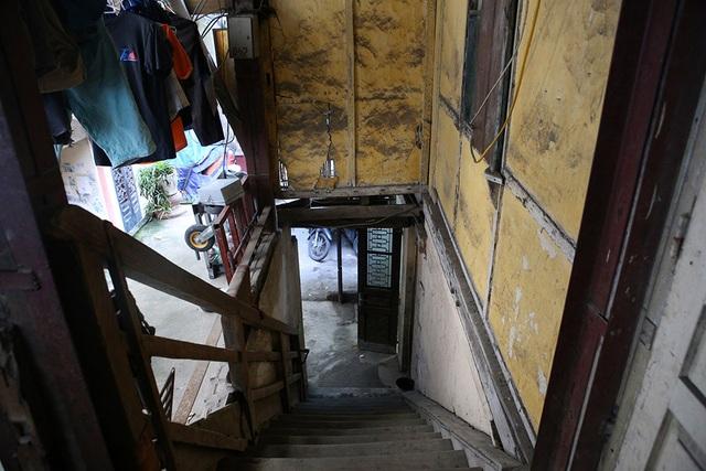 Cuộc sống như từ thế kỷ trước trong khu nhà gỗ ở Hà Nội - 7