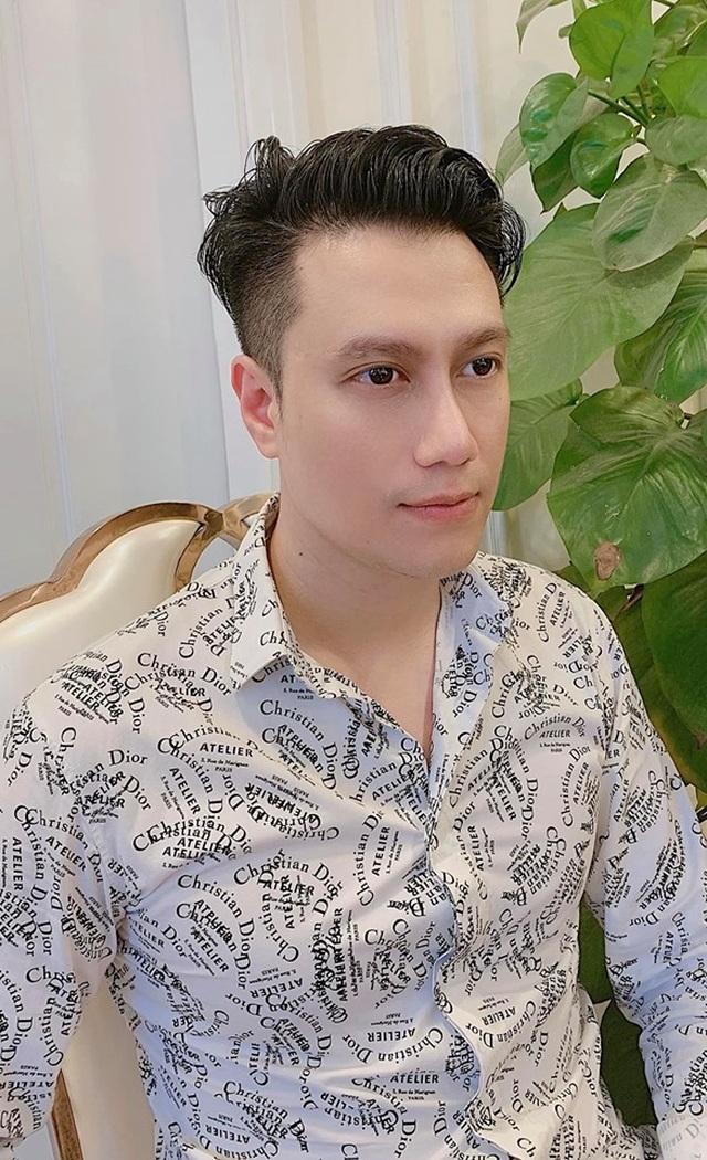 """Việt Anh khác lạ sau 1 tháng """"dao kéo"""", phủ nhận """"hạ gò má, mở hốc mắt"""" - 2"""