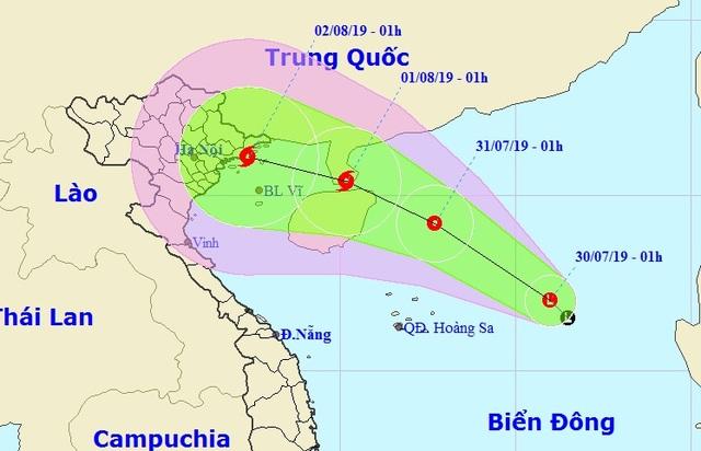 Vùng áp thấp trên Biển Đông khả năng tiếp tục mạnh lên - 1