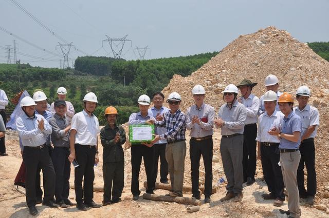 Phó Thủ tướng đốc thúc đường dây 500kV mạch 3