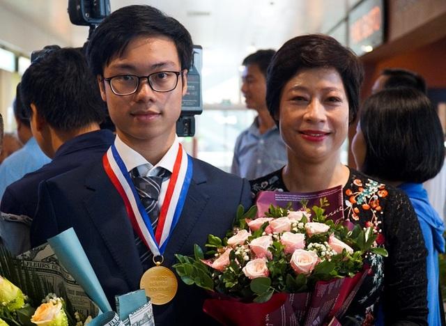 """""""Bí mật"""" của chàng trai Vàng đầu tiên đạt điểm tuyệt đối Olympic Hóa học quốc tế - 1"""
