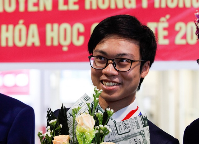 """""""Bí mật"""" của chàng trai Vàng đầu tiên đạt điểm tuyệt đối Olympic Hóa học quốc tế - 2"""