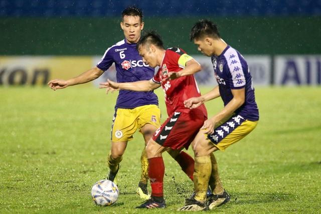 Bình Dương 0-1 CLB Hà Nội: Văn Quyết ghi bàn - 7