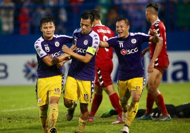 Quang Hải đá phạt ghi bàn, CLB Hà Nội đánh bại SHB Đà Nẵng - 1