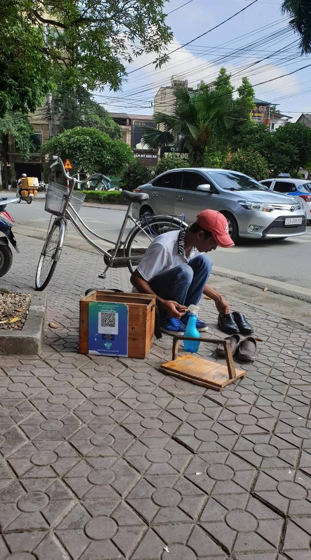 Đánh giày thời 4.0: Quét mã QR, từ chối nhận tiền mặt-chuyện đã xuất hiện ở Việt Nam - 3