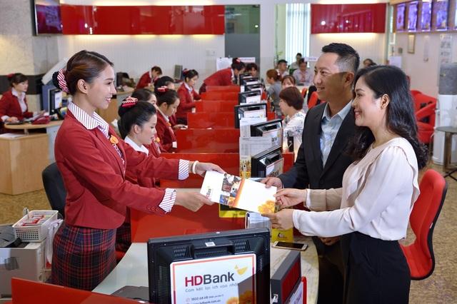 HDBank báo lãi 2.211 tỷ đồng, nợ xấu ngân hàng dưới 1% - 1