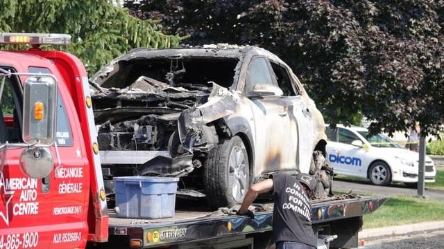 Xe chạy điện Hyundai Kona Electric bỗng nhiên phát nổ trong gara - 2