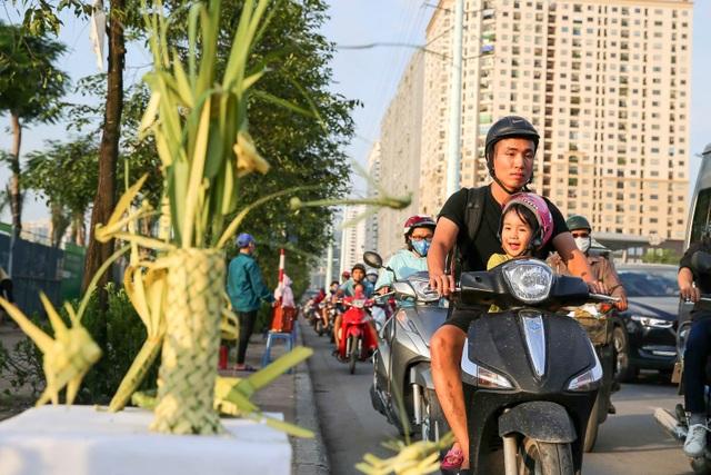 Hô biến lá dừa nước miền Tây thành giỏ hoa, con vật ở Hà Nội, kiếm tiền triệu mỗi ngày - 11