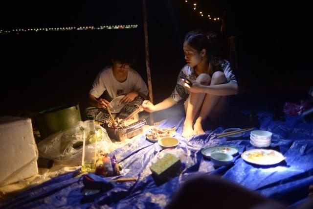 """Nhóm khách Hà Nội """"tiết lộ"""" bí quyết du lịch """"thả phanh"""" ở Phú Yên chưa đến 4 triệu đồng/ người - 27"""