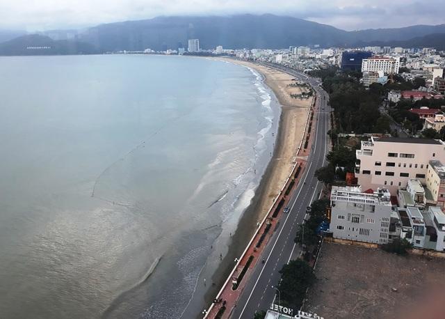 Bình Định lo ngại việc ồ ạt xây dựng nhà lưu trú, khách sạn mini không có bãi đỗ xe sẽ ảnh hưởng đến giáo thông, du lịch tỉnh này.