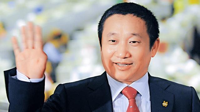 Mỹ cáo buộc tỷ phú Trung Quốc trốn 1,8 tỷ đô la thuế - 1
