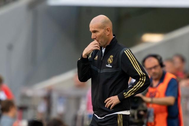 Real Madrid thua liểng xiểng: Zidane đã hết phép? - 2