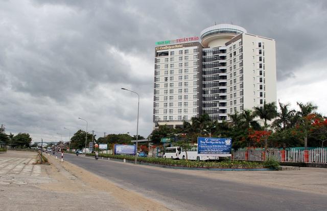 Cận cảnh khách sạn 5 sao bị rao bán 500 tỷ đồng ở Phú Yên - 2