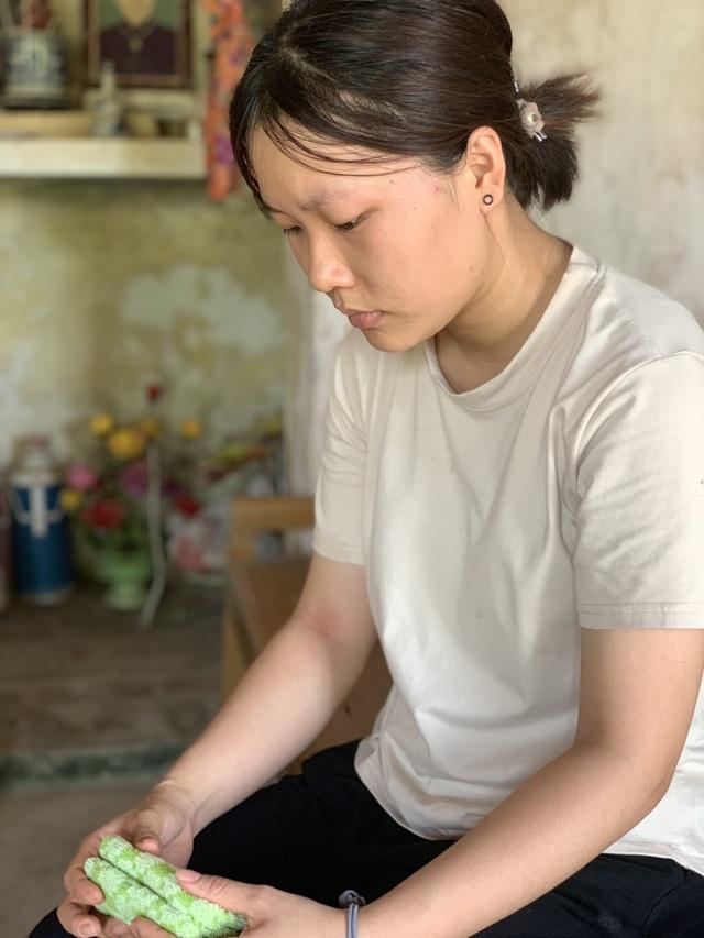 Cô bé 19 tuổi mơ có chiếc máy may để kiếm tiền nuôi bố tâm thần và 2 em - 5