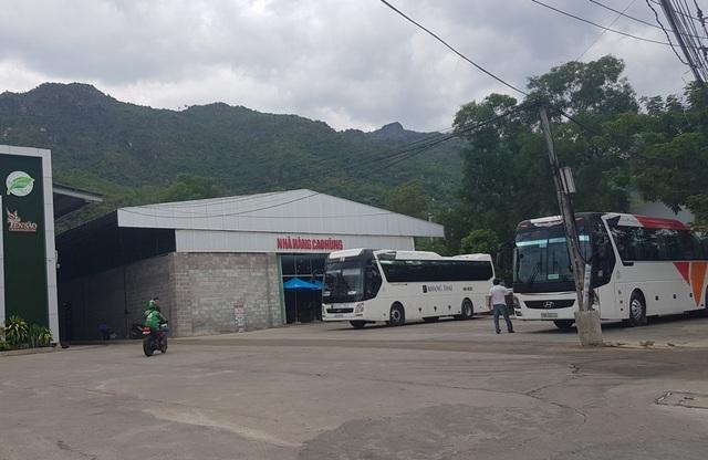 """Nha Trang: Xử lý hàng loạt điểm bán hàng """"khép kín"""" cho khách Trung Quốc - 2"""