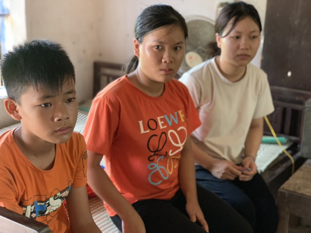 Cô bé 19 tuổi mơ có chiếc máy may để kiếm tiền nuôi bố tâm thần và 2 em - 9