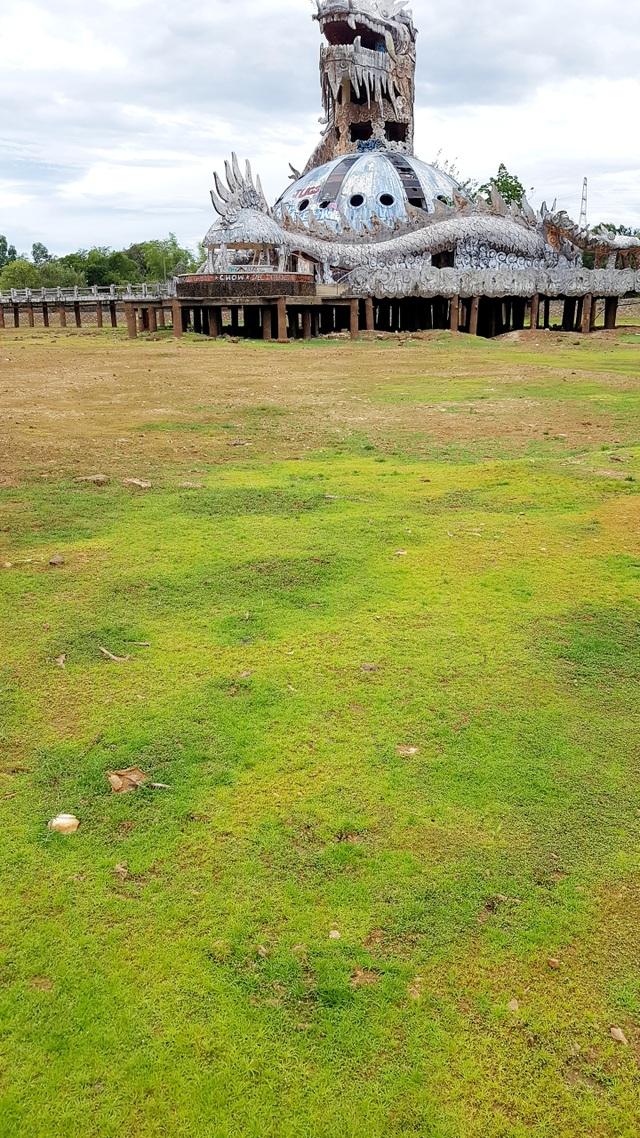 Sửng sốt cảnh công viên nước bỏ hoang ma mị từng lên báo Mỹ bỗng cạn khô trơ cả đáy - 3