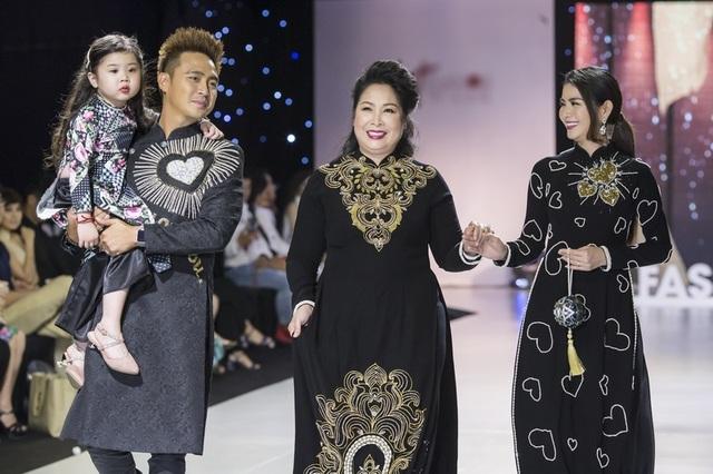 NSND Hồng Vân cùng dàn sao phim đình đám bất ngờ làm người mẫu - 2