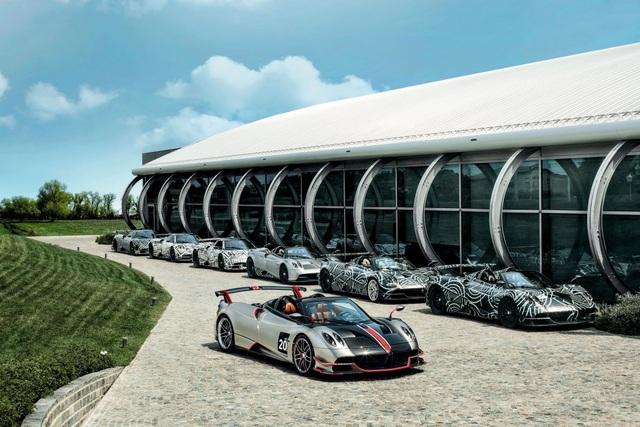 3,5 triệu USD cho cú vảy ga trên Pagani Huayra Roadster BC - 1