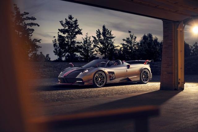 3,5 triệu USD cho cú vảy ga trên Pagani Huayra Roadster BC - 3