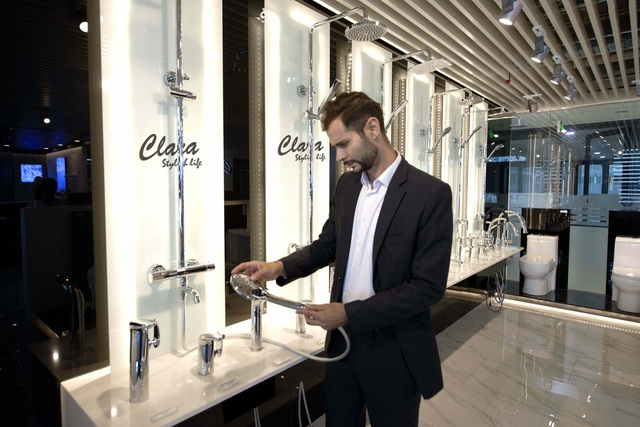 Trải nghiệm sự sang trọng và đẳng cấp của thiết bị vệ sinh cao cấp Clara cùng Chad Winston - 4