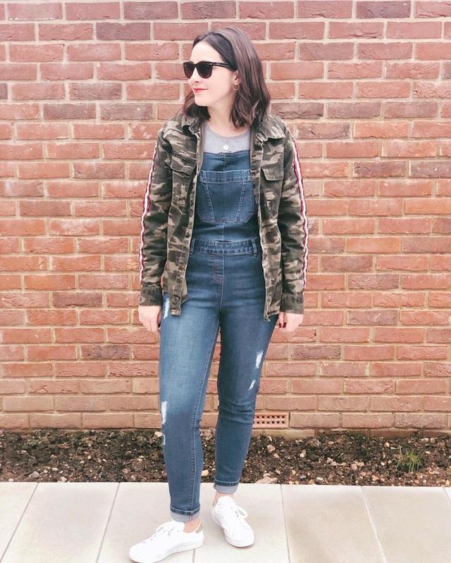 Cô gái gây sốt mạng vì chuyên đăng ảnh phục trang bị bạn trai chê - 8